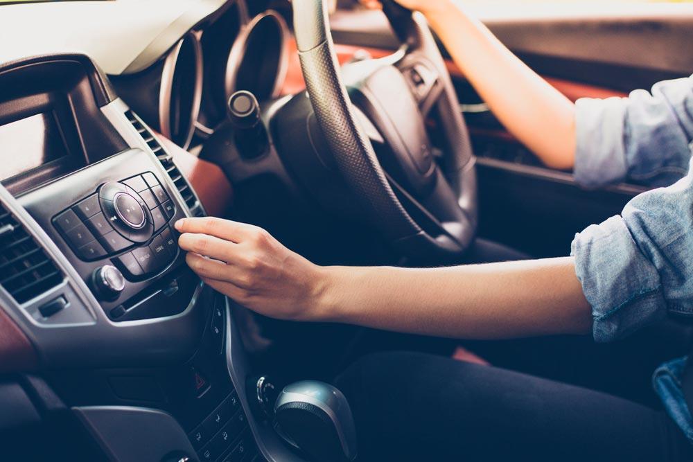 ecoute-radio-voiture